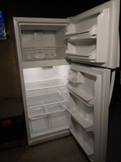 20.4 cubic foot Kenmore Refrigerator ( new in Nov. 2015)