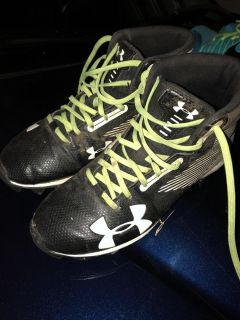 Under Armour Youth Football Cleats 4.5Y