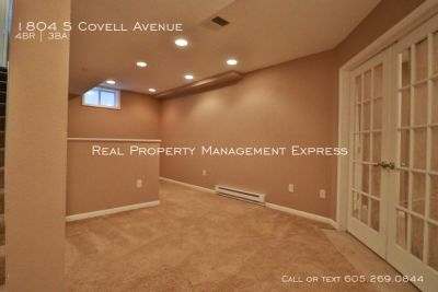Fantastic 4 bedroom home in Central Sioux Falls