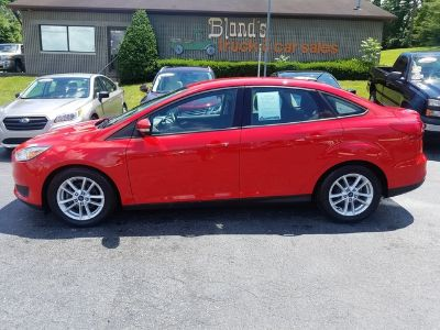 2015 Ford Focus SE (Race Red)