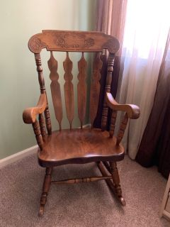 BEAUTIFUL WOOD ROCKER