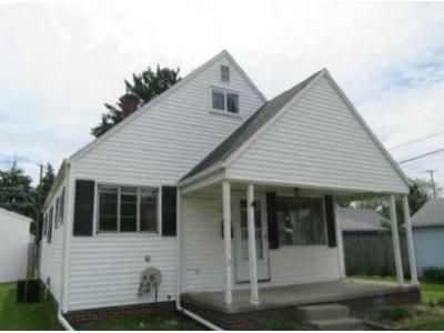 3 Bed 1 Bath Foreclosure Property in Oregon, OH 43616 - Reswick Dr