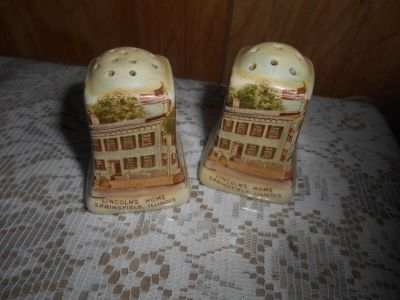 Staffordshire LINCOLN'S HOME Salt & Pepper Shakers! England
