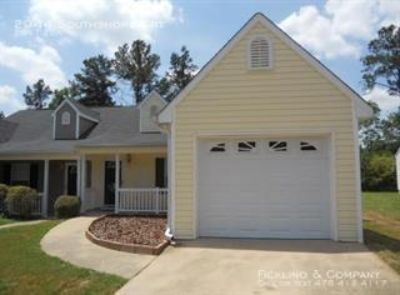 Single-family home Rental - 2944 Southshore Crt