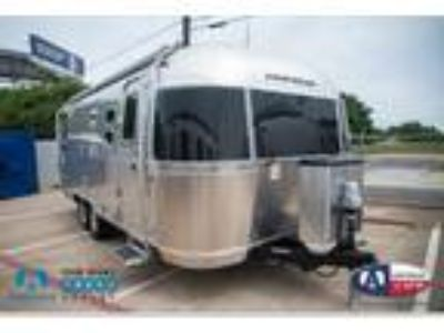 2020 Airstream Flying Cloud 25RB Twin