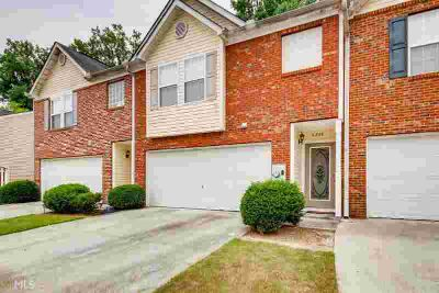 6226 Queen Meadow Dr SE MABLETON Three BR, Gorgeous Brick-front