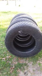 LT 275/ 70R18 tires