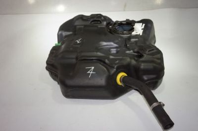 Sell FORD FOCUS ST HATCHBACK OEM FACTORY REAR BACK GAS FUEL TANK CONTAINER BV619002 motorcycle in Buda, Texas, United States