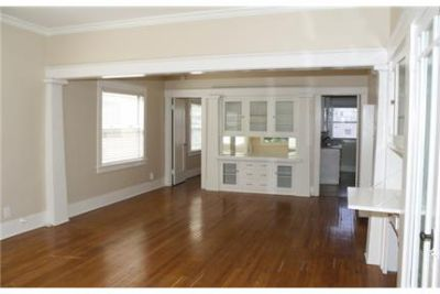 Large One Bedroom apartment in with Hardwood Floors