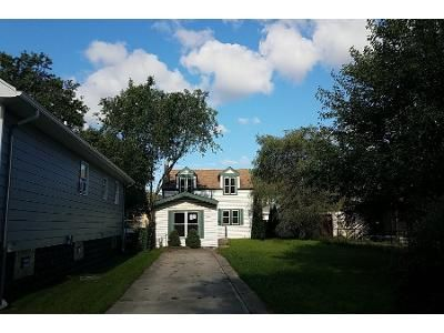 3 Bed 2 Bath Foreclosure Property in Calumet City, IL 60409 - Greenbay Ave