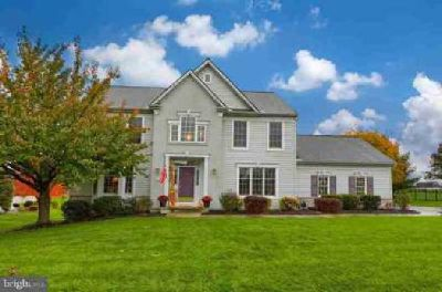 11 Crimson Ln Lititz Five BR, Welcome home to this Pine Hill