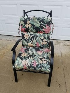 Black / Iron / Floral Patio Chair