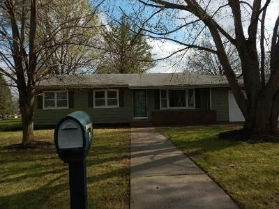 3 Bed 1 Bath Foreclosure Property in Bennett, IA 52721 - W 1st St