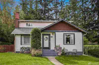 5904 Fleming St Everett Four BR, Rare vintage craftsman located