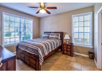 4-piece bedroom set for sale cheap - need it gone fast!