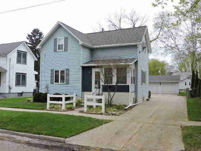 414 Edward ST Fort Atkinson Two BR, Pride of ownership is