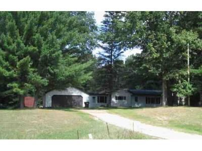 3 Bed 1 Bath Foreclosure Property in Howard City, MI 49329 - M 82