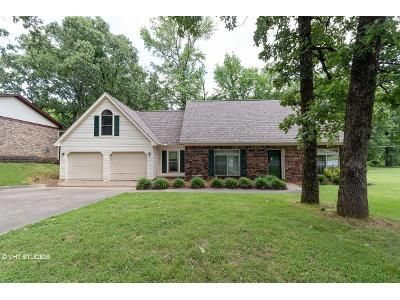 4 Bed 3 Bath Foreclosure Property in Sherwood, AR 72120 - Oakbrooke Dr