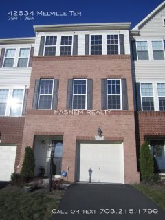 BEAUTIFUL 3 LEVEL TOWNHOUSE WITH SS APPLIANCES AND 1 CAR GARAGE!