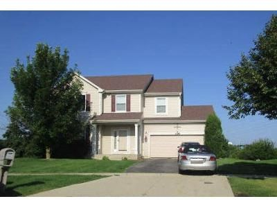4 Bed 2.5 Bath Foreclosure Property in Schaumburg, IL 60192 - Colchester Ct