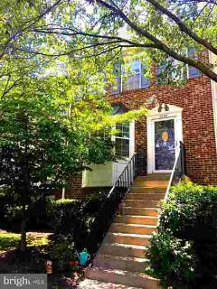 2068 Pawlet Dr #36a Crofton Three BR, wow! this one is not like