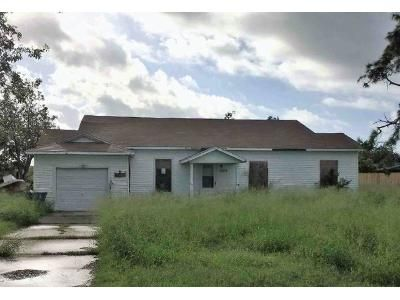 3 Bed 2 Bath Foreclosure Property in Ingleside, TX 78362 - Main St