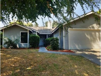 4 Bed 2 Bath Foreclosure Property in Visalia, CA 93277 - W Hemlock Ave