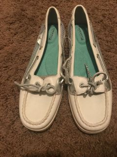 new size 10 Sperry Topsiders boat shoes