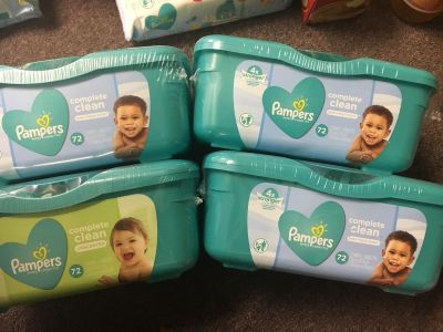4 Tubs of Pampers baby wipes 72 wipes per tub