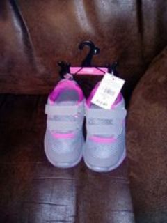 New Danskin size 7 girl's shoes