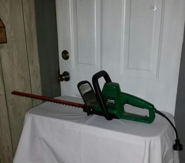 Weed Eater hedge clippers. 18 in Excalibur. Work great. $20