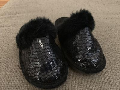 Youth girls size 1/2 black sequin slippers from Children s Place