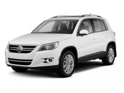 2011 Volkswagen Tiguan SE 4Motion (Deep Black Metallic)