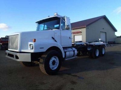 2001 Volvo Trucks WG Cab and Chassis