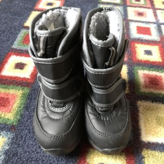 Snow boots size 5/6 toddler