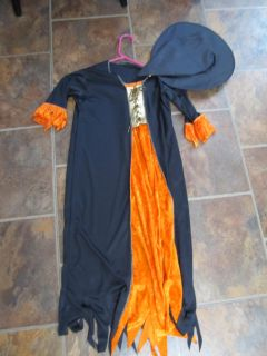 Girls Long Witch Costume with Hat Size 6 $2