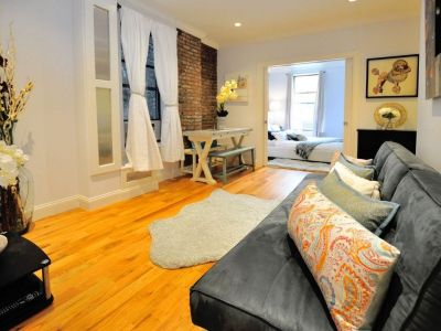 Near Everything. Heart of theater district, Times Square, Central Park 3 Bedroom Apartment