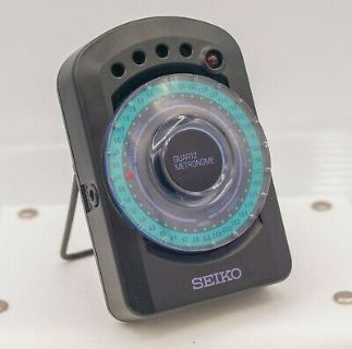 Seiko Quartz Metronome SQ44 - Light & Beat 40-208 + 440Hz Musical Instrument