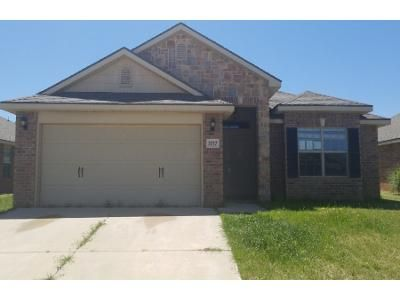 4 Bed 2 Bath Preforeclosure Property in Lubbock, TX 79424 - 109th St