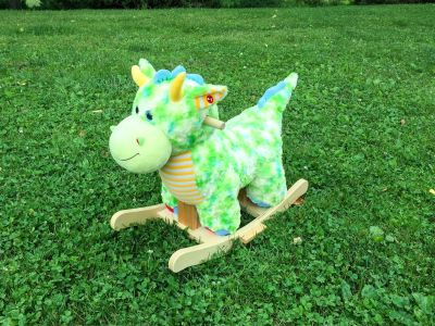 Dragon Rocker, plays music, excellent condition, non-smoking home **READ PICK-UP DETAILS BELOW