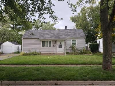 3 Bed 1 Bath Preforeclosure Property in Joliet, IL 60435 - John St