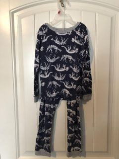 Size 6 Pajama Set CARTERS BRAND - EUC SEE MY OTHER LISTINGS OF GREAT KIDS CLOTHES