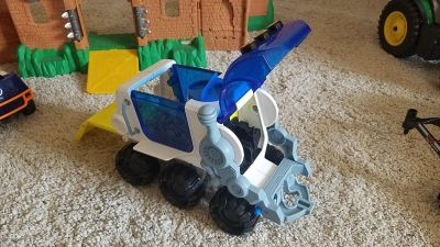 Imaginext hauler vehicle space rover