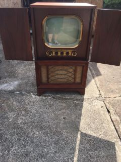 Hallicrafters 1940 s TV. Very rare!