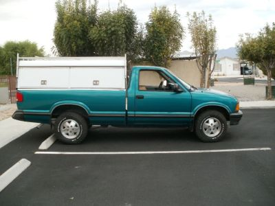 1999 chevy s-10 4x4 with work camper