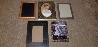 Picture Frames like NEW
