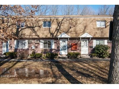 2 Bed 1.5 Bath Foreclosure Property in Dracut, MA 01826 - Thissell Ave Apt 105