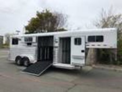2019 4-Star Trailers 22' Two Plus One Horse Trailer