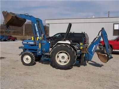 $2,200, Ford tractor 4x4 loader and backhoe for sell