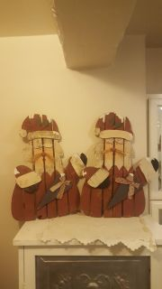 20x13 wooden santas 5$ for one or 8 for pair must pickup.